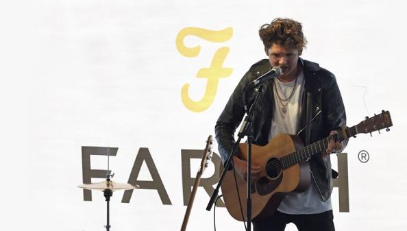 Farah Presents