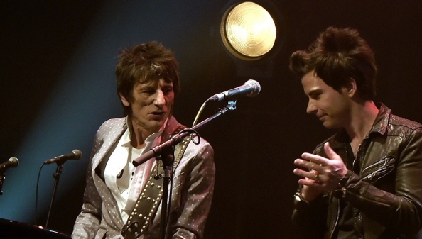 Ronnie Wood and Kelly Jones2.jpg