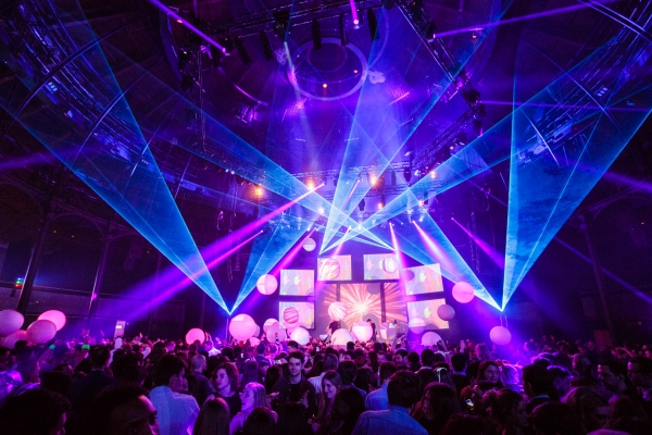 Roundhouse-Events-Standing-Receptions-1.jpg